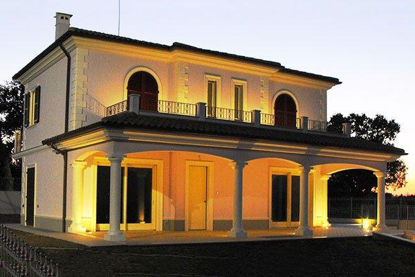 Cerchi casa su misura immobiliare serini for Casa moderna classica